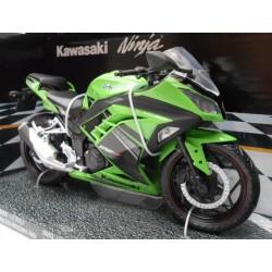 Kawasaki Ninja verde escala 1:12 de Automaxx