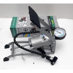Bomba inflar de pie con manómetro