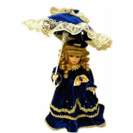 Muñeca de época y lámpara