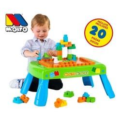Mesa con blocks de plástico para montar Molto